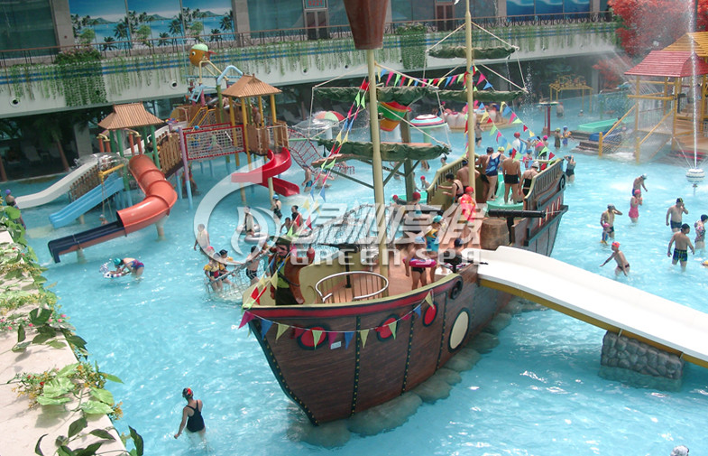 OEM Pirate Ship Kids water slide playground for Park Play Equipment with Water Spray