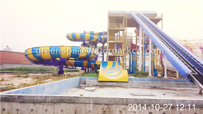 Customized Size Aqua Park Custom Water Slides For Water Amusement Park Equipment